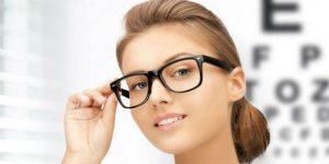 चश्मे के निशान हटाने के उपाय